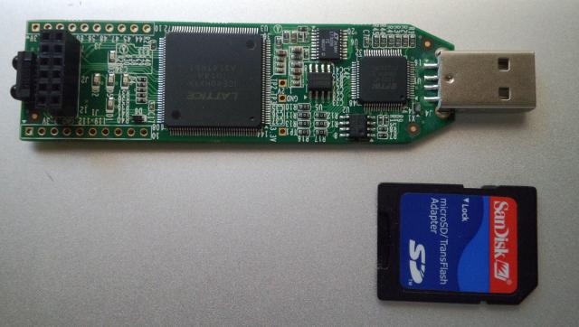 SDカードとの大きさの比較